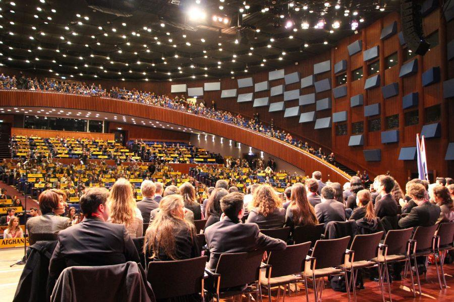 TAS+students+return+from+the+THIMUN-Hague+Conference