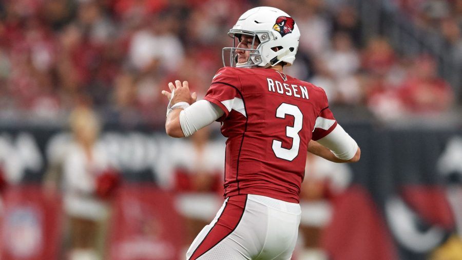Arizona Cardinals Quarterback Josh Rosen fires over the middle during the Week 10 game against the Kansas City Chiefs. (Photo courtesy of Icon Sportswire/Getty Images)