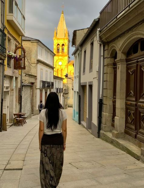 Ms.+Zhang+visiting+different+towns+and+buildings+along+Camino+de+Santiago.+%5BPHOTO+COURTESY+OF+MS.+SIMONE+ZHANG%5D