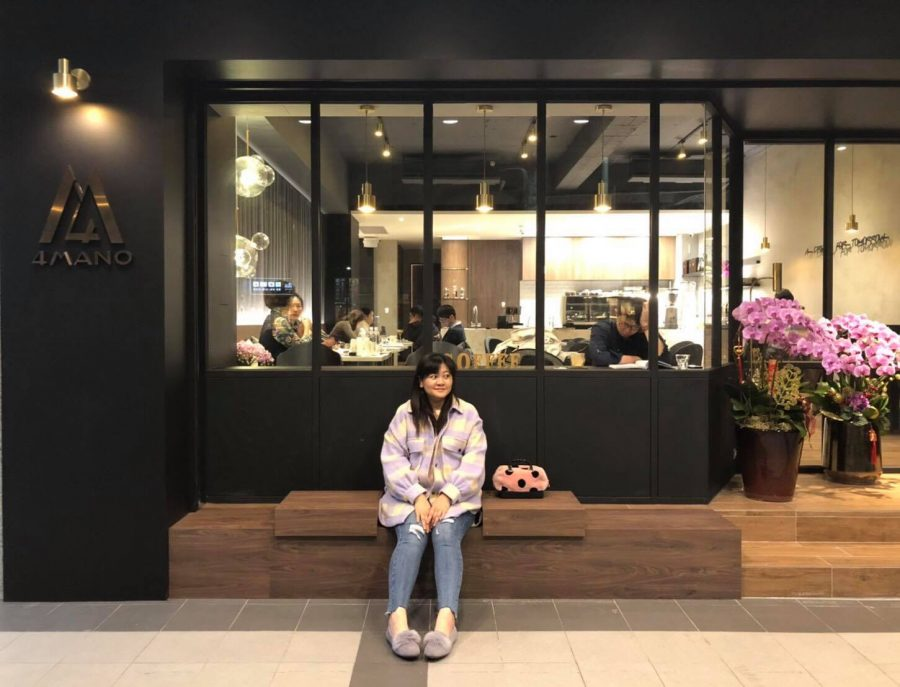 +Aruway+Kadjaljavan%2C+an+aboriginal+princess+turned+coffee+shop+owner%2C+at+her+cafe+4mano+Caffe+in+Taipei.+