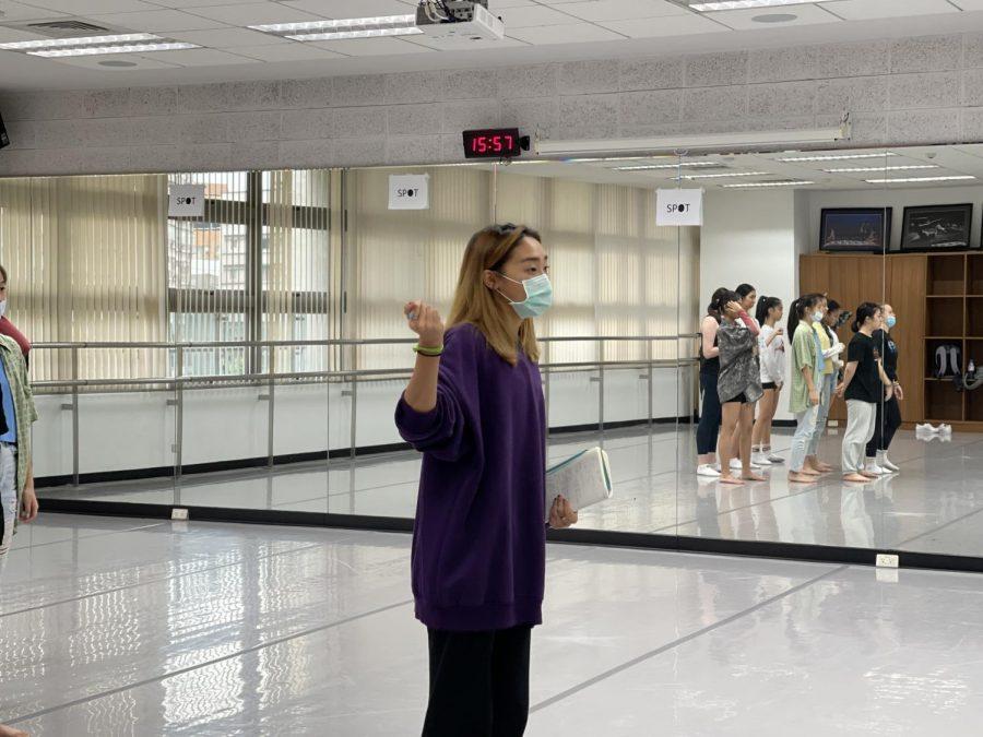 Alumni return for dance showcase